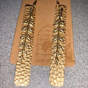 Golden Acanthus - leather earrings